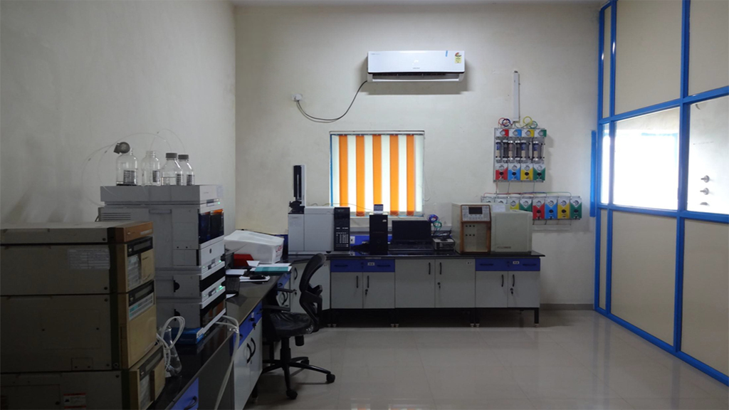 laboratory with HPLC MS UV IR LCMS