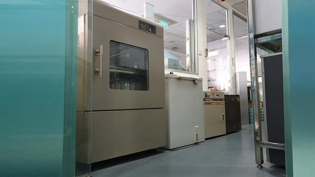 shaking incubating shaker with deep freezer in fermentation facilities